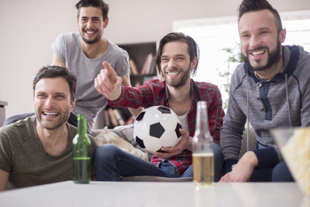 Mænd ser sport